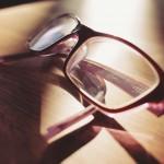 メガネとコンタクトレンズの度数って違うの?